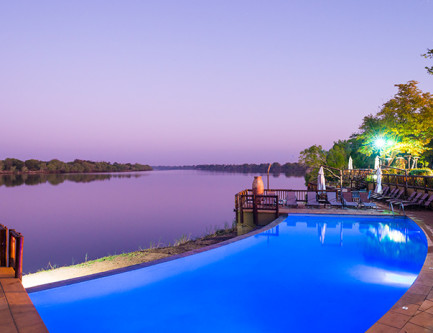 infinity-pool-david-livingstone-lodge