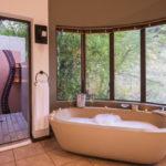 Ivory Tree Game Lodge Standard Room Bathroom