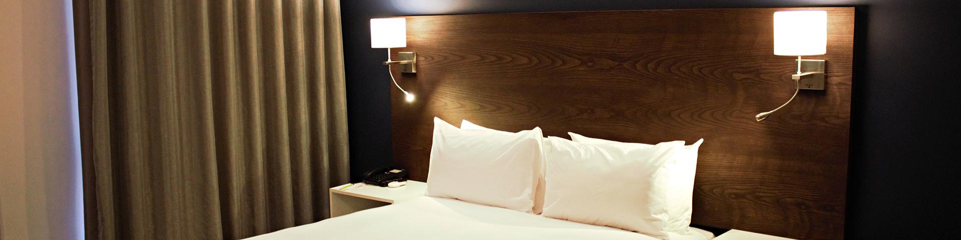Kathu-Hotel-Slider-Room