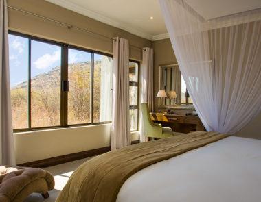 Shepherds Tree Game Lodge Executive Suite Bedroom