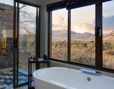 Shepherds Tree Game Lodge Villa Bathroom