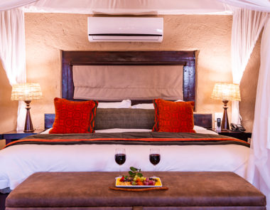 aha Makalali River Lodge Thatched Suite Bed