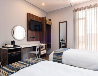 KathuHotel-twin room-web